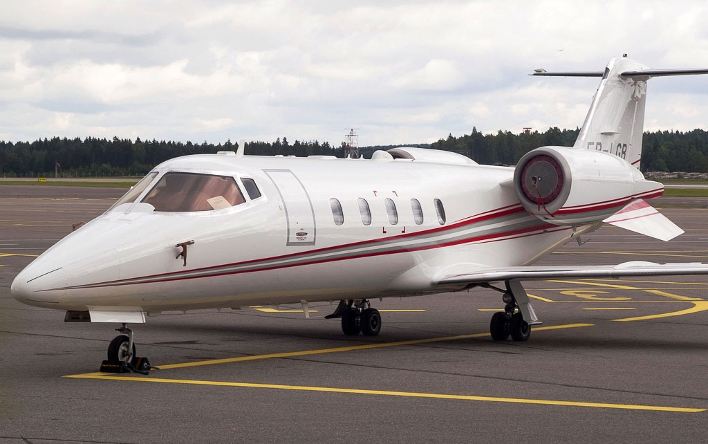 The private jet used by Dodon and belonging to Plahotniuc