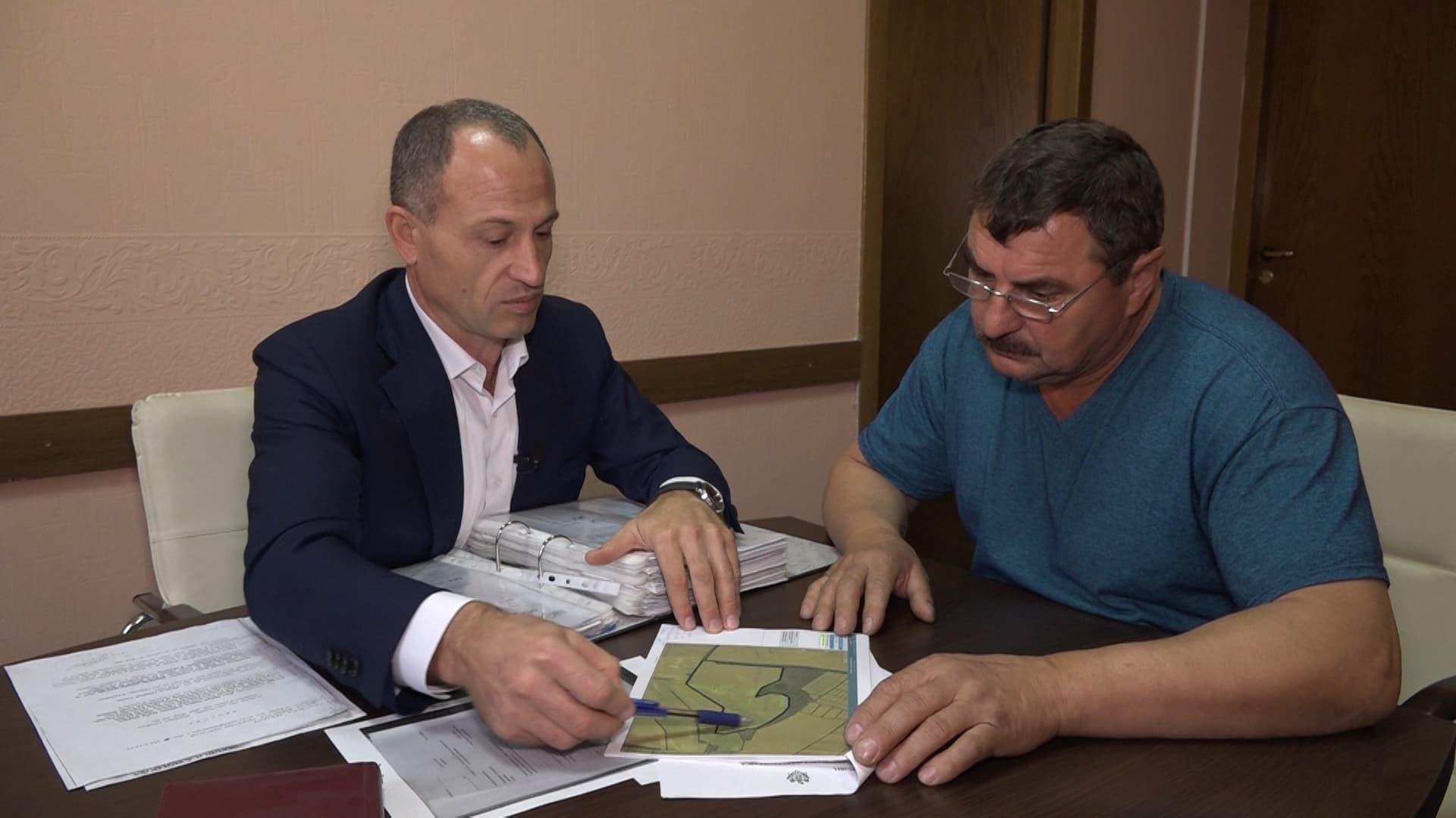 teren-zadebschi-cu-avocatul