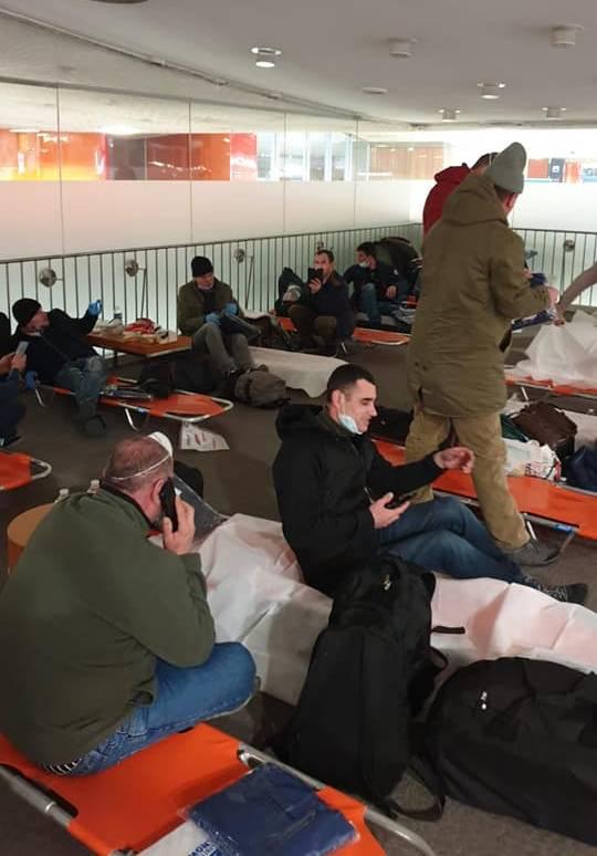 cetateni-moldoveni-blocati-in-aeroportul-din-paris
